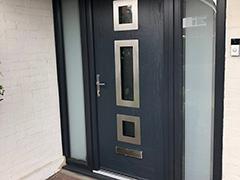 Apeer 70 Door